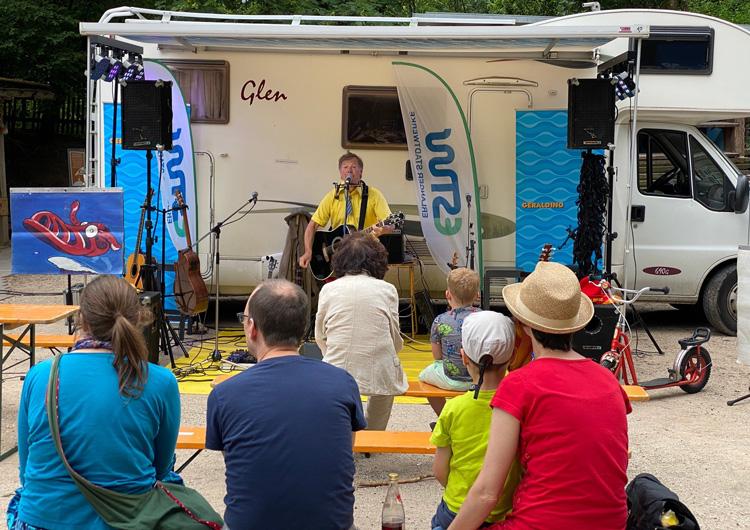 Momente mit Publikum Open-Air-Konzert - Wulli und Sonja mit Geraldino 2020